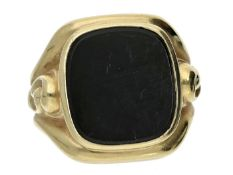 Ring: breiter, dekorativer Herrenring mit großer Onyxplatte Ca. Ø19,5mm, RG61, ca. 9,3g, 14K Gold,