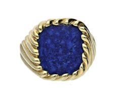 Ring: goldener, außergewöhnlicher vintage Herrenring mit Lapislazuli Ca. Ø20mm, RG62, ca. 7,3g,