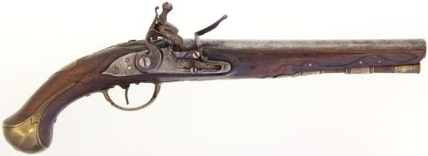 Steinschlosspistole, deutsch um 1720. Kavallerie. Kal. 18mm@ Rundlauf, LL 269mm. Schlossplatte und