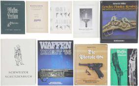 Konvolut von 7 Büchern@ 1. Waffen-Lexikon von Walter Lampel/Richard Mahrhold. 2. Schweizer