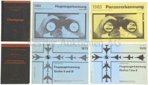 Konvolut von 6 eidg. Reglementen 1. Kriegsflugzeuge 2. Luftraumüberwachung der