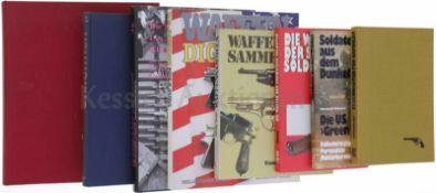 Konvolut von 8 Büchern 1. Feuerwaffen für Sammler, Autor Louis W. Steinwedel, Motorbuch-Verlag. 2.