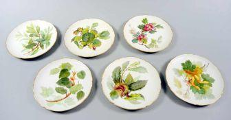 6 KPM Dessertteller Porzellan, mit eleganter und akkurater Handbemalung mit verschiedenen