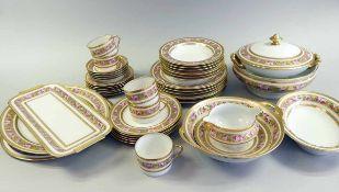 Haviland Speise- und Teeservice Porzellan, reichlich mit gold, rosa und blau staffiert und einem