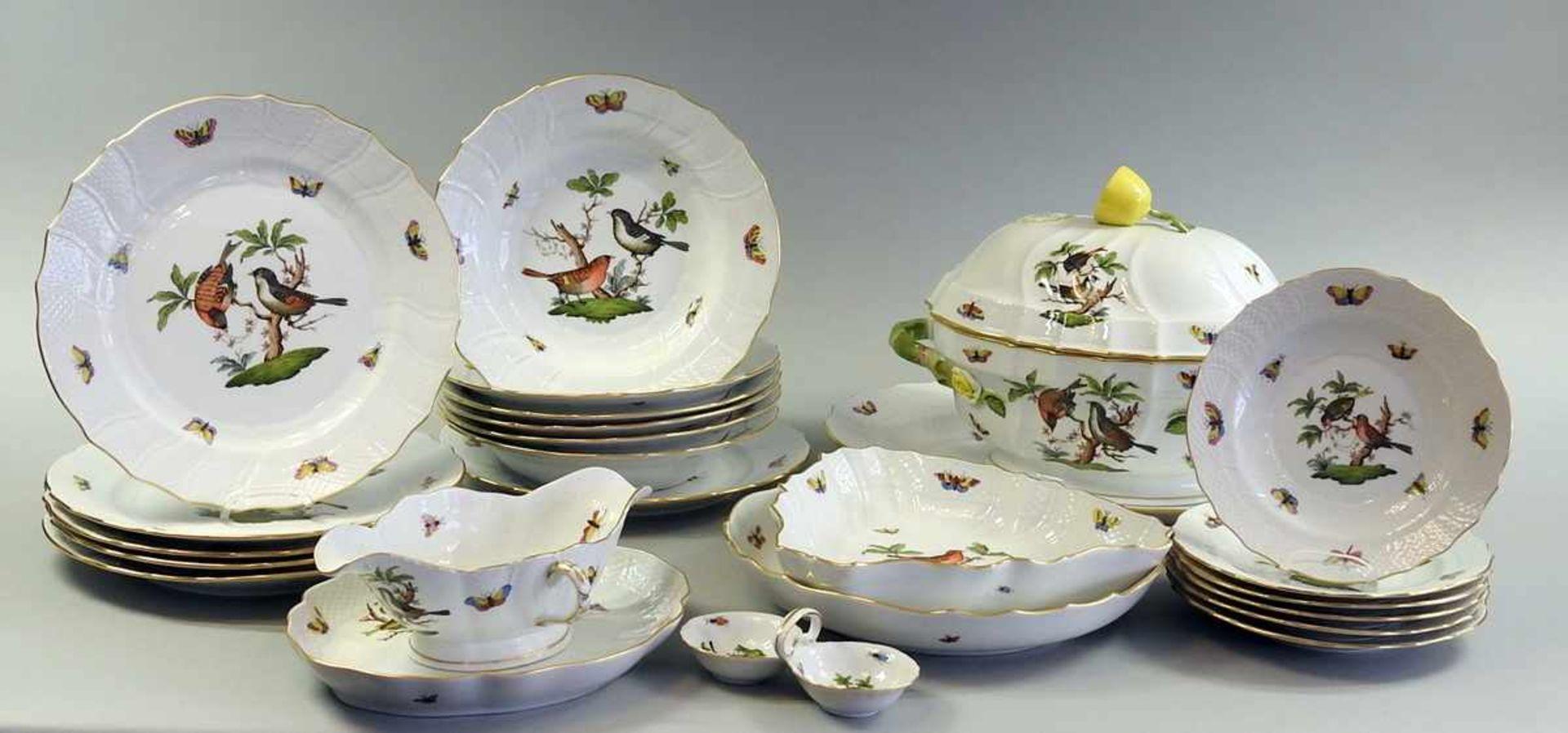 Los 52 - Herend Speiseservice für 6 Personen Porzellan. Dekor Rothschild mit naturalistischen und