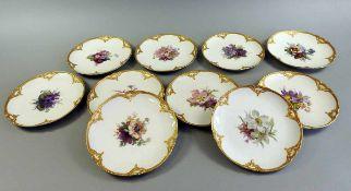 10 KPM Neuzierat Dessertteller Porzellan, aufglasur handbemalt nach Blumendekor Nr. 73, mit Gold-