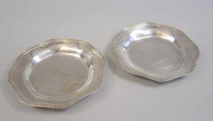 """Paar kleine Teller Silber 800, Halbmond und Krone, am Bodenrand punziert """"WTB"""" für den Hersteller"""