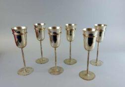 Cartier, 6 Elegante Champagnerflöten Silber 925, jeweils am Boden mit Feingehaltstempel,