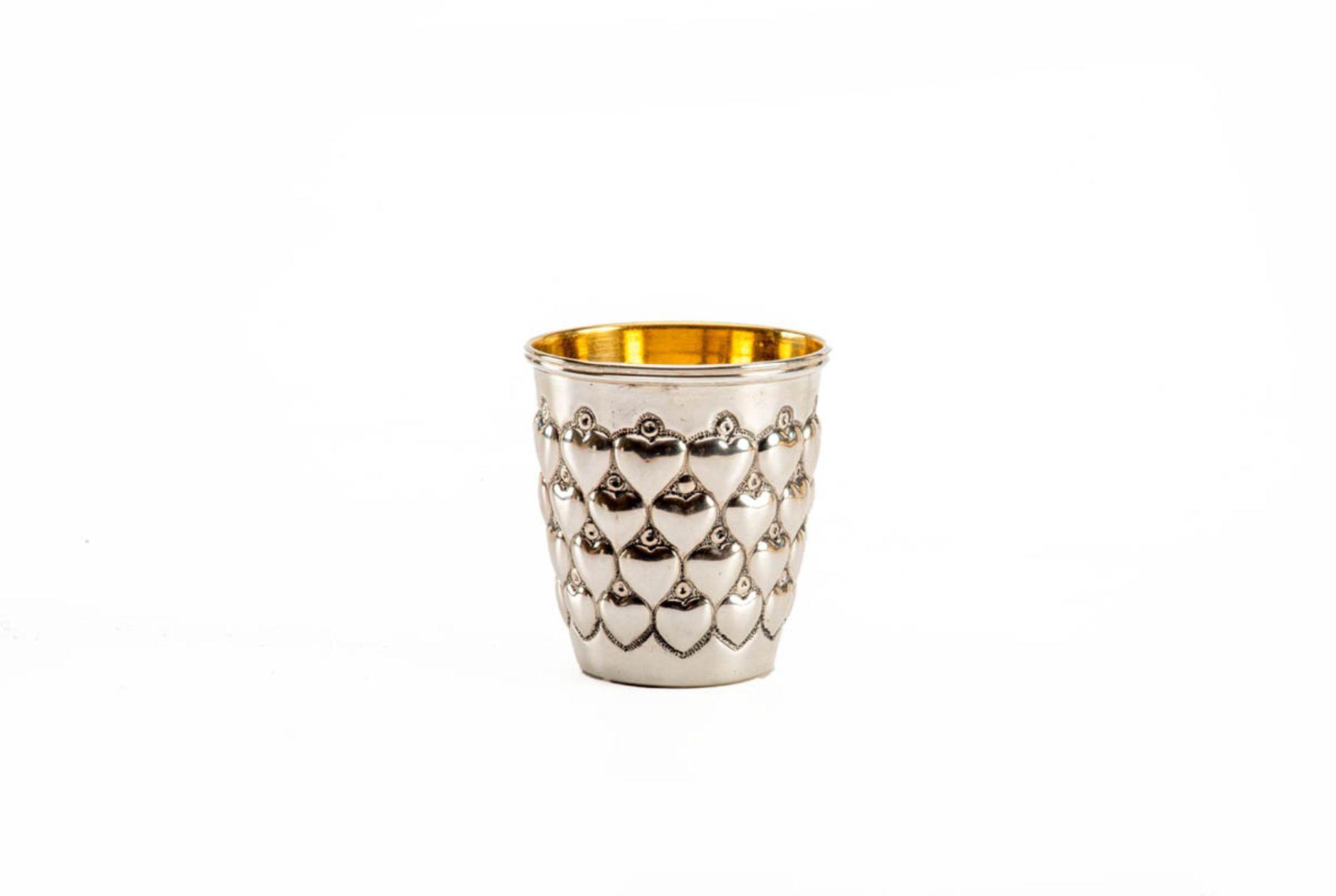 Los 49 - Herzbecher 925er Silber, innen vergoldet, H.:7 cm, Durchm.:6 cm. ca. 70g.