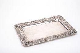 Rechteckiges Tablett Silber. Schlichter rechteckiger Spiegel, Fahne mit umlaufender Bordüre aus