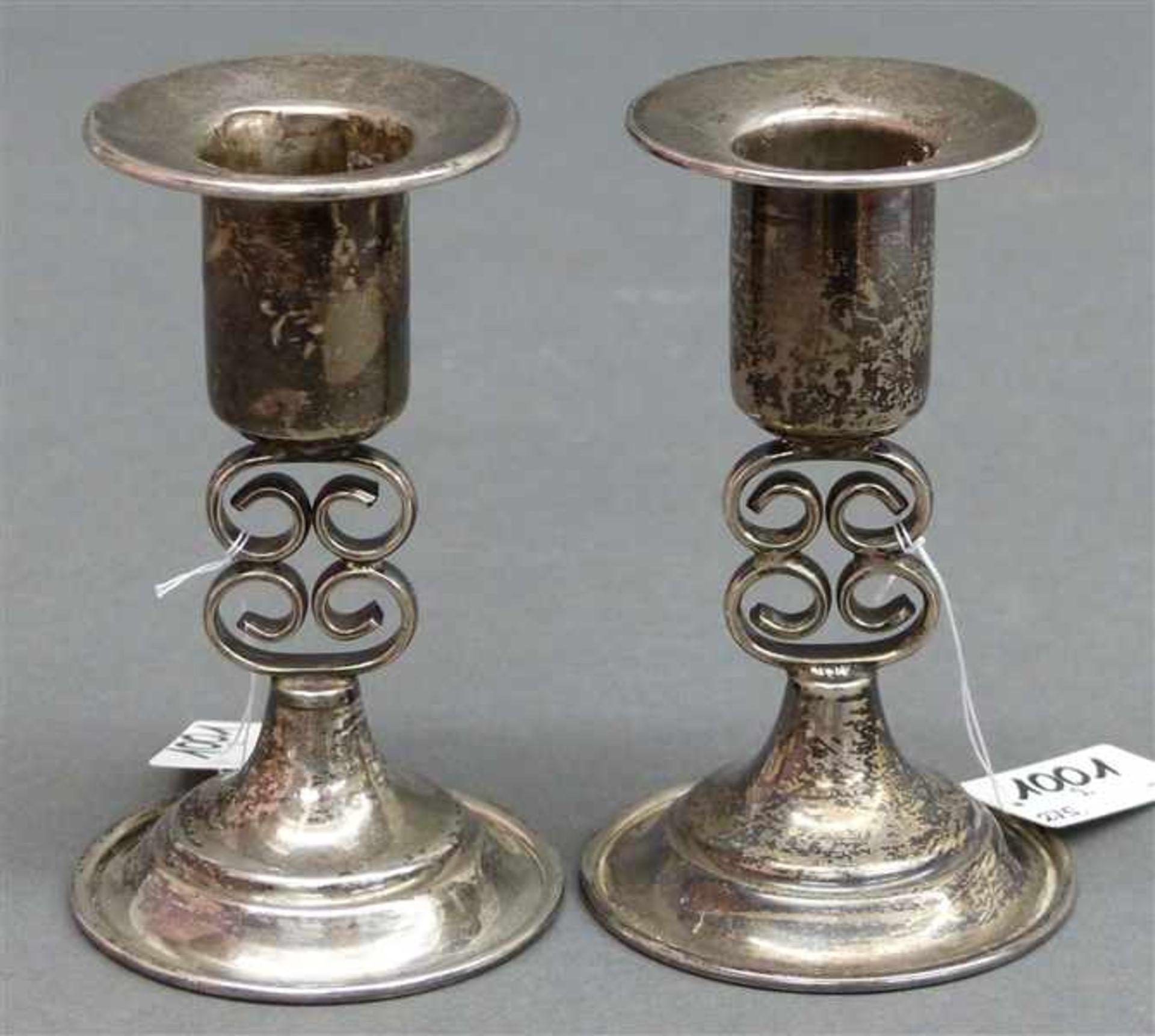 Los 1001 - Paar Kerzenleuchter Silber, punziert, h 10 cm, 97 g schwer,