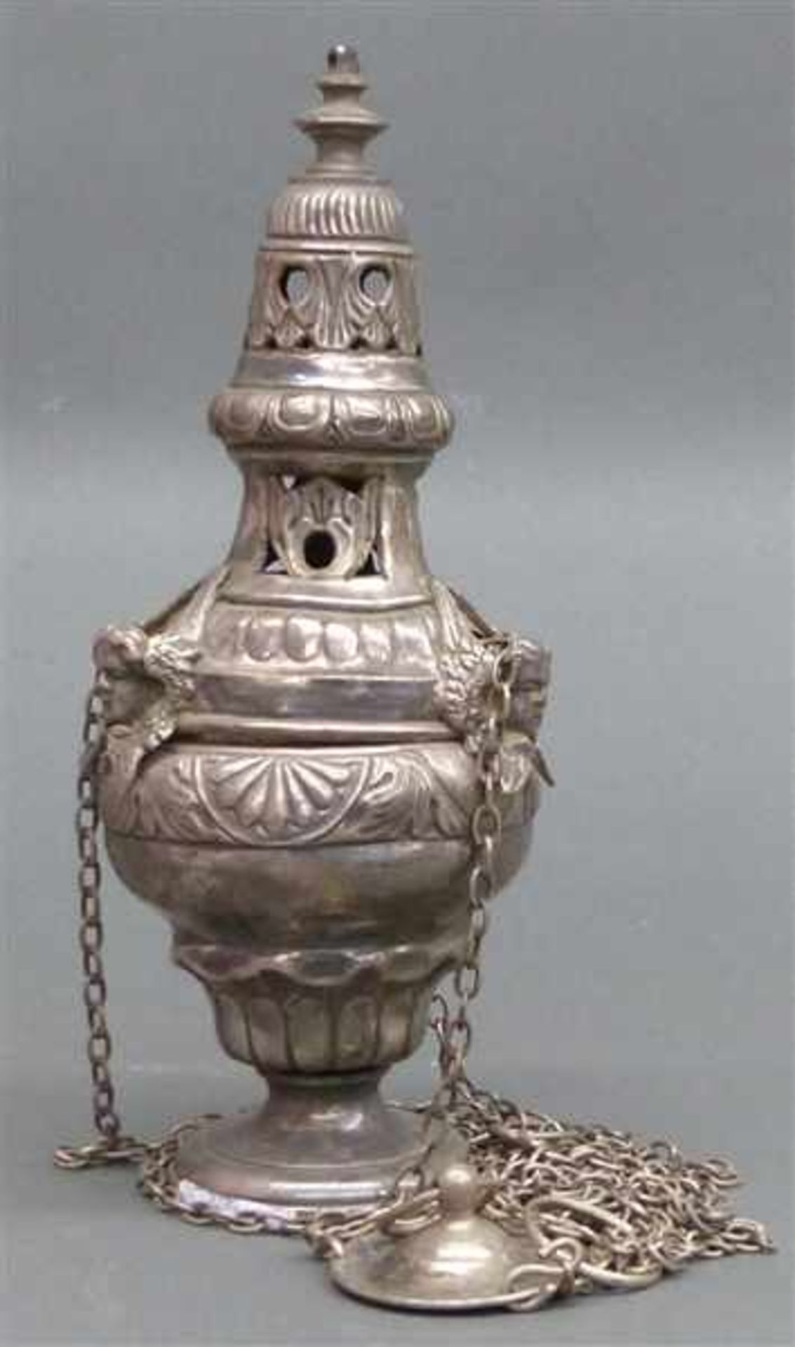 Weihrauchgefäß Silber, 19. Jh., reliefierter Puttidekor, h 29 cm,