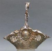 Henkelkorb Silber, punziert, Österreich-Ungarn, Wien, Reliefdekor, teilweise durchbrochen