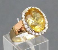Damerning 14 kt. Gelbgold, ovaler Goldtopas, Kranz mit kl. Brillanten ca. 6 g schwer, RM 64,