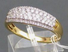 Damenring 14 kt. Gelbgold, besetzt mit zahlreichen Brillanten zus. ca. 1,00 ct., weiß, ca. 5 g