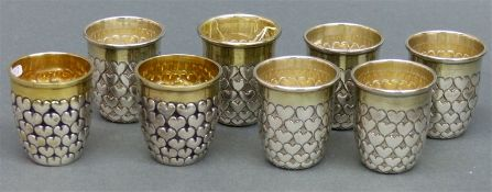 8 Schnapsstamperl 800 und 925 Silber, punziert, Augsburger Herzbecher, Innenvergoldung,