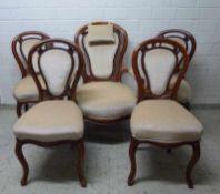 Spätbiedermeier-Sessel und 4 Stühle, Mitte 19.Jh. Mahagoni, Ballon-Rücken, geschweifte Beine u.