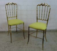 Paar Chiavari Stühle, Italien Mitte 20.Jh. Messing poliert, gebogener verstrebter Rücken,