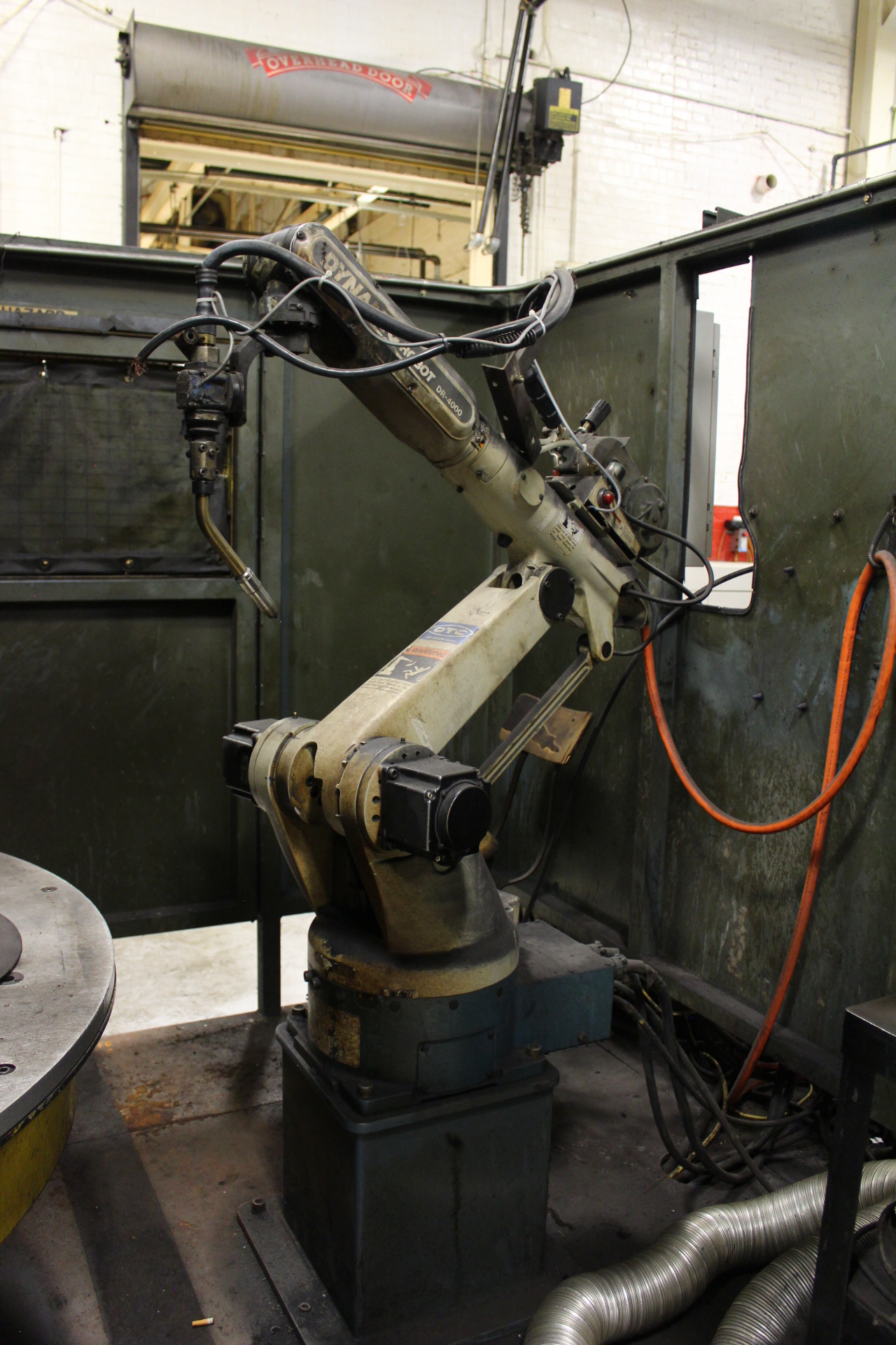 Lot 38 - OTC Dynamic Arc Cell T60A Robotic Welding Cell
