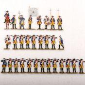 Preußen um 1760, Regiment Garde Nr. 15, 2. Bataillon angetreten, Gewehr geschultert, frontal, Bunzel