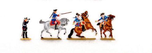 Konvolut: Friedrich II. mit Fernglas, Scholtz, unschattierte Bemalung; Fr. II. zu Pferd mit Stock