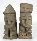 Zwei Skulpturen Wohl Mexiko als Replik. Stein oder Steinguß. Höhe je ca. 20 cm. Guter Zustand.