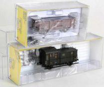 Zwei Güterwagen H0. BRAWA 48429 und 48360 in OVP.