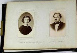 Fotoalbum. 19. Jahrhundert. Ca. 100 Fotos u.a. Familie Hölderlin.
