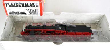 Dampflok mit Tender H0. Fleischmann 414401. BR 54 1692 der DB in OVP. Nur Probe gelaufen.