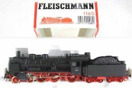 Dampflok mit Tender. Fleischmann H0 1160, umgebaut auf Wechselstrom. Deutsche Reichsbahn 38 2609.