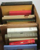 Konvolut Bücher. 16 Bücher zu kunsthistorischen, historischen und stilgeschichtlichen Themen.