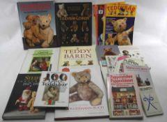 Konvolut Spielzeugbücher. Deutsch nach 1900. Insgesamt 14 diverse, auch Zeitschriften. Literatur