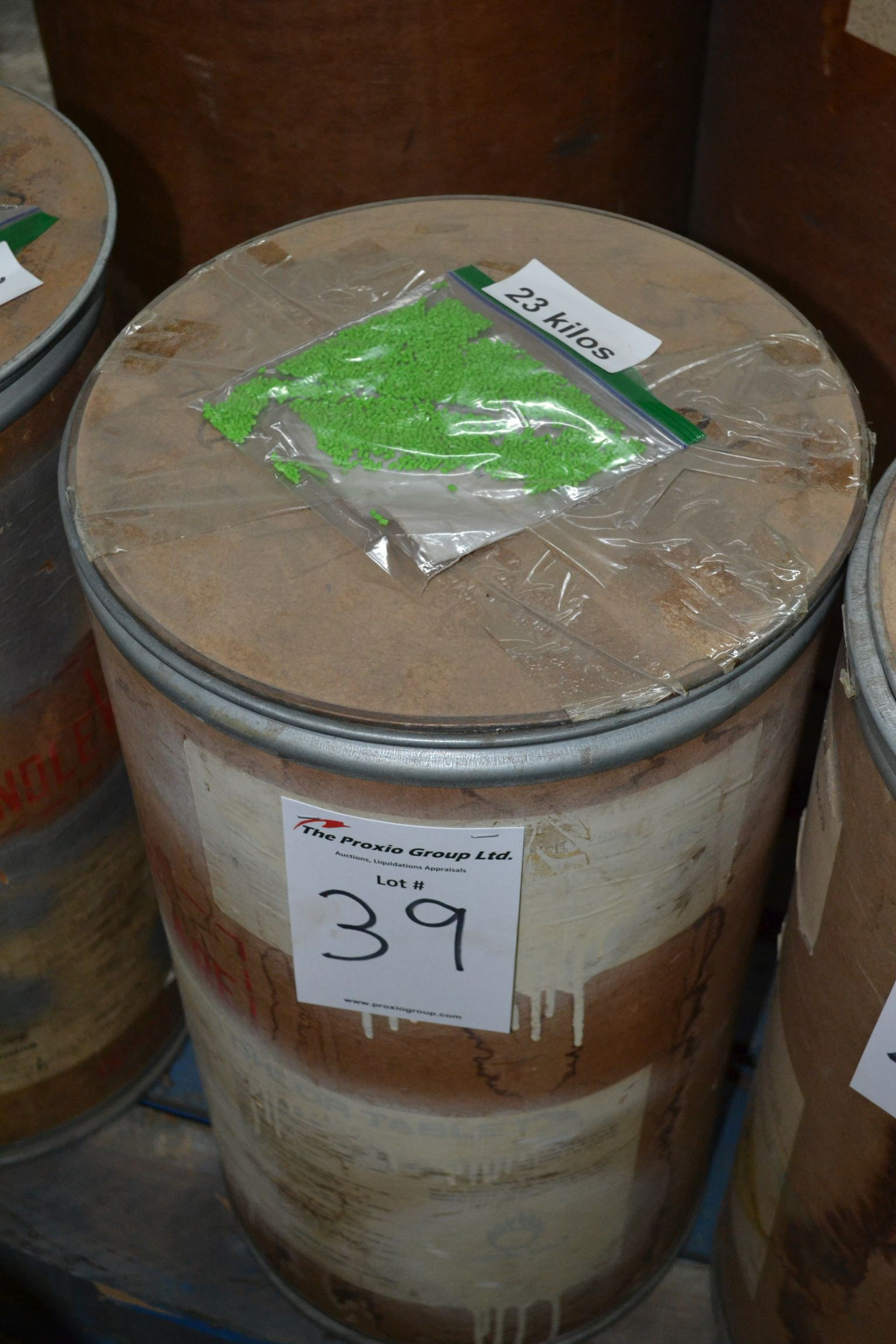 Lot 39 - Lot colored resin Light Green, Approx 23 KG