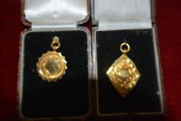 Two 9ct gold sporting medals, unengraved, cased, one case for J. Brown & Son, Selkirk, hallmarks for