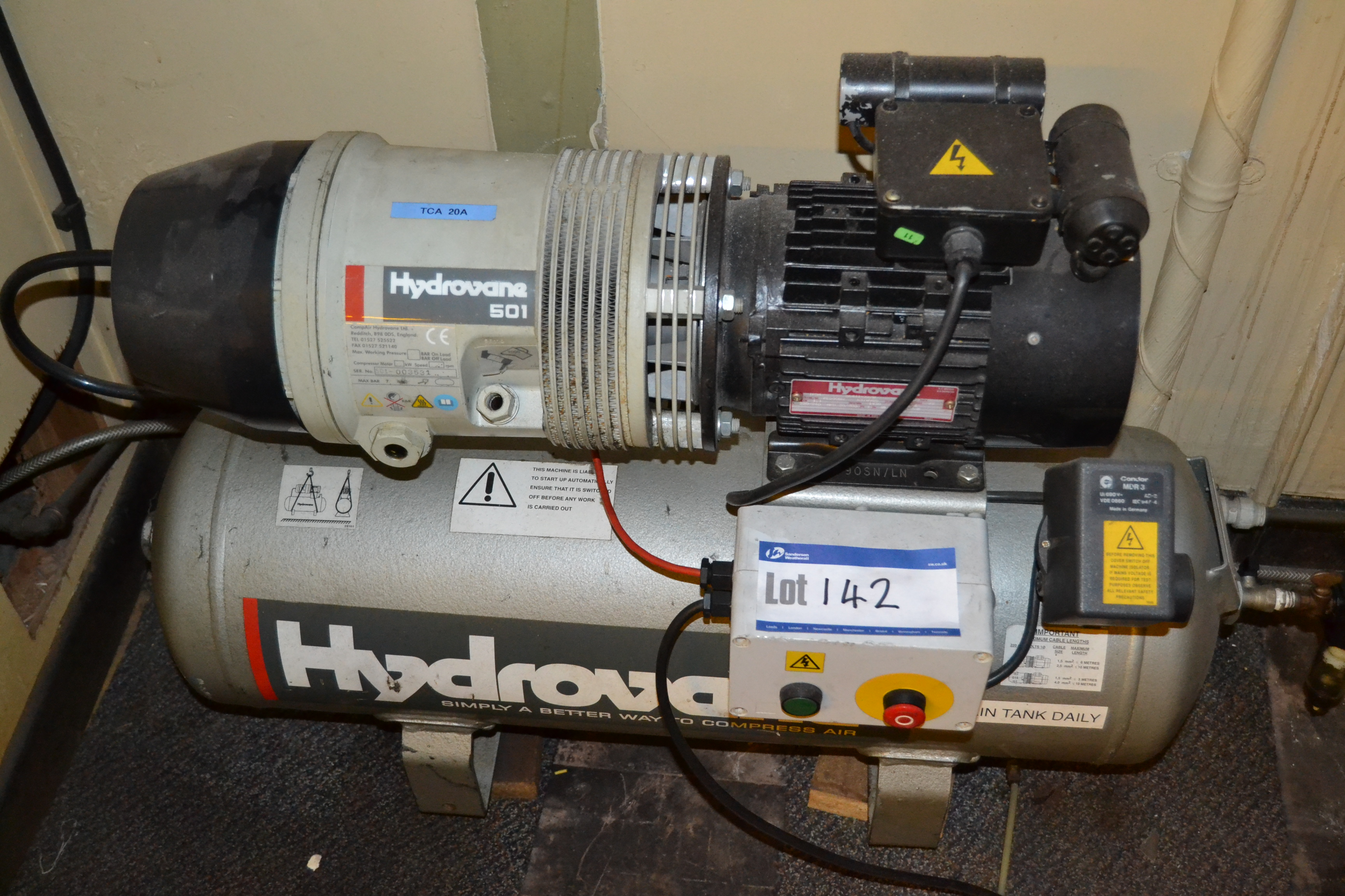 Lot 142 - Hydrovane 501 Receiver Mounted Air Compressor, ser