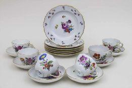 6 Gedecke mit Blumen und Insekten / 6 cups, 6 saucers, 6 plates with flowers and insects, Meissen,