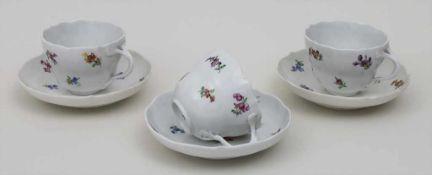3 Tassen und Untertassen mit Streublümchen / 3 cups and saucers with scattered flowers, Meissen,