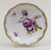 Kleine Zierschale / A decorative bowl, Meissen, um 1860 Material: Porzellan, polychrom bemalt und