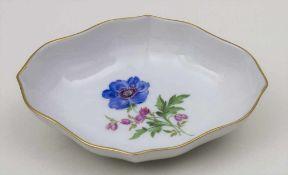 Zierschälchen / A decorative dish/pin tray, Meissen, 2. Hälfte 20. Jh. Material: Porzellan,