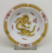 Aschenbecher 'Gelber Ming-Drache' / An ashtray 'Yellow Ming Dragon', Meissen, um 1940 Material: