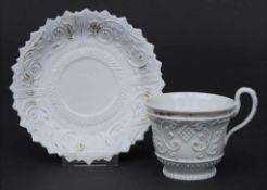 Tasse und UT mit Reliefdekor / A cup and saucer with relief decor, Meissen, um 1820 Material: