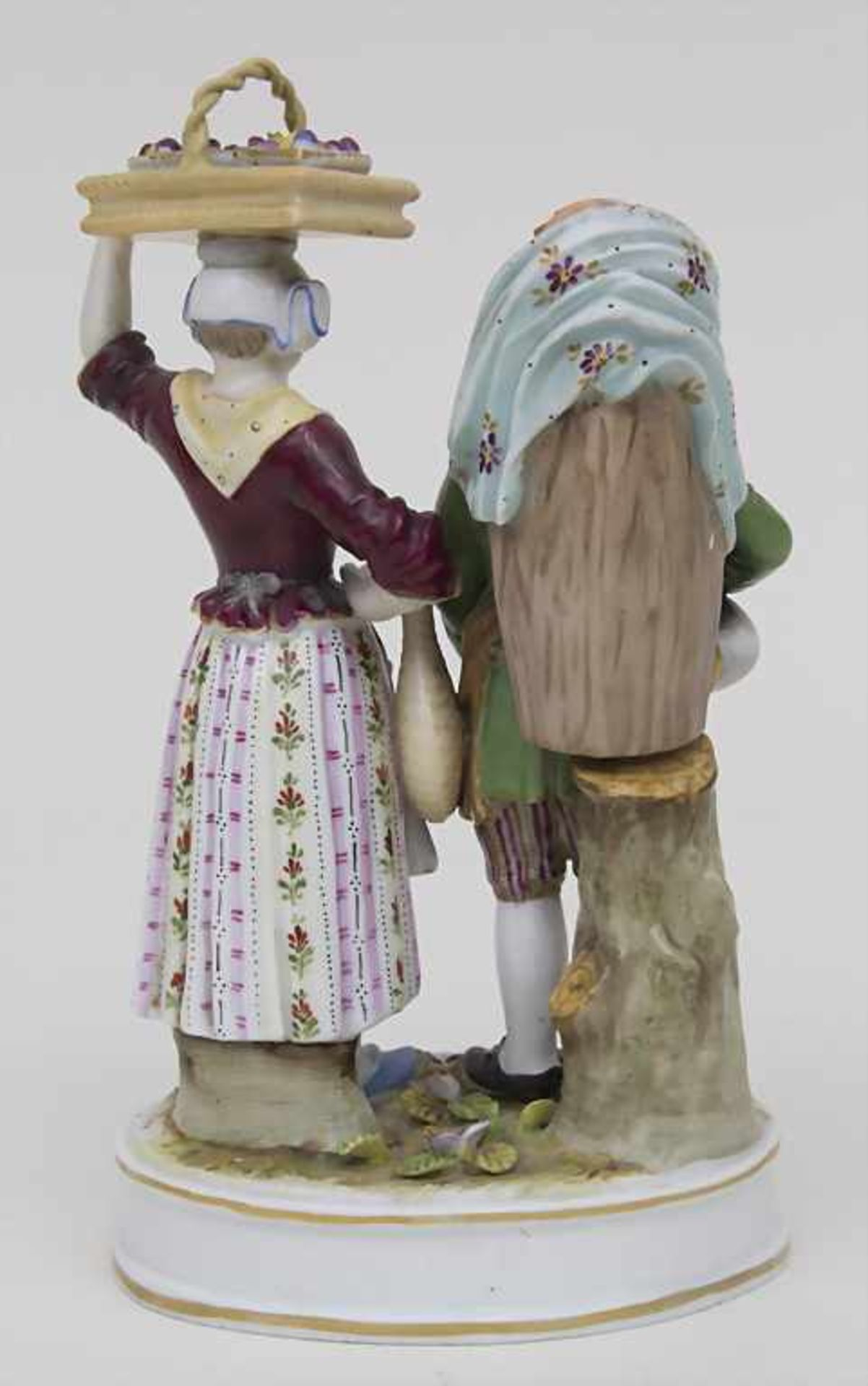 Figurengruppe 'Marktverkäufer' / A figural group 'market sellers', Volkstedt-Rudolstadt, um 1900 - Bild 2 aus 4