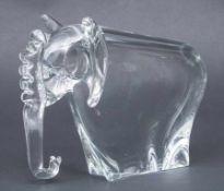 Glasskulptur Elefant / An elephant glass sculpture, Schweden, 2. Hälfte 20. Jh. Material: