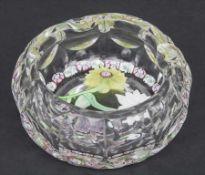 Aschenbecher / Paperweight / An ashtray, Saint Louis, Anfang 20. Jh. Material: farbloses