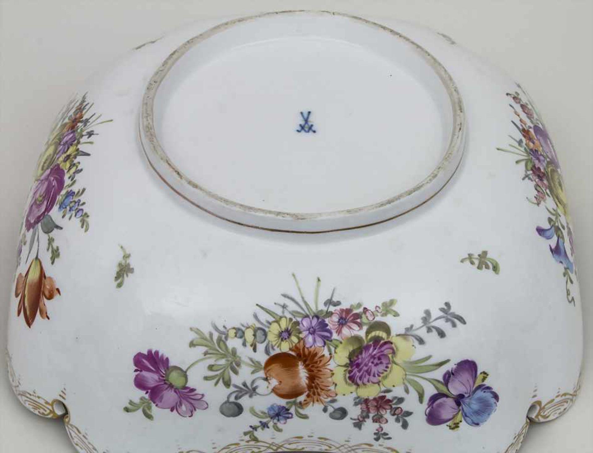 Schale mit Blumenmalerei / A bowl with flowers, Meissen, um 1860 Material: Porzellan, polychrom - Bild 3 aus 3