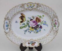 Korbrandschale mit Blumenmalerei / A basket rim bowl with flowers, Meissen, 1774-1814 Material: