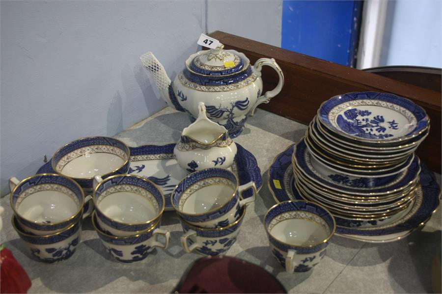 Lot 47 - Royal Doulton 'Real Old Willow' tea set
