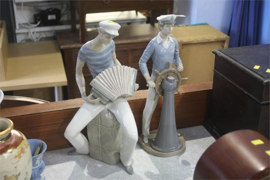Lot 54 - Two Lladro figures