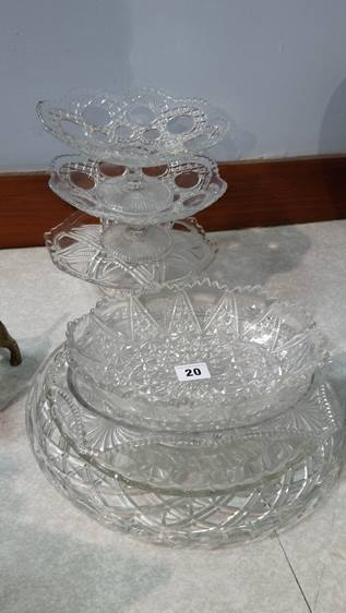 Quantity of glass ware