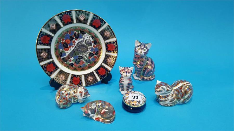 Lot 33 - Five Royal Crown Derby paperweights 'Cats', a Dove plate and trinket box (with boxes and